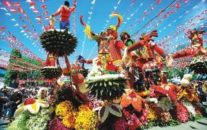 Pamulak sa Kadalanan (Floral Float Parade)