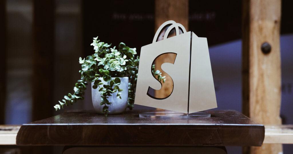 Custom e-commerce store using Shopify.
